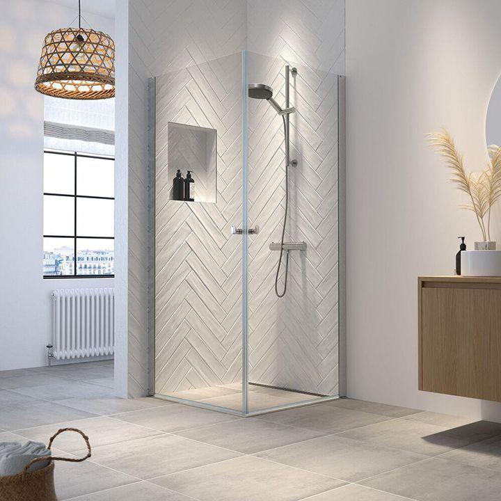 Hooked dusjvegger-romslig og elegant